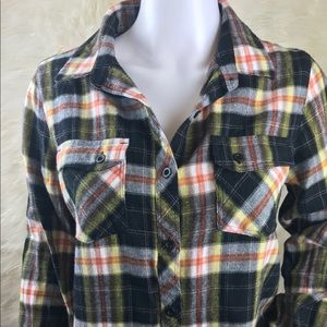 Volcom women's flannel button down size small